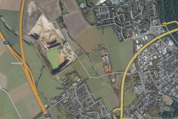 Luftaufnahme der Kiesgrube Blessem vor der Hochwasserkatastrophe 2021